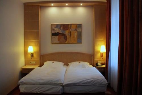 Łóżko, sen, Paleo SMAK